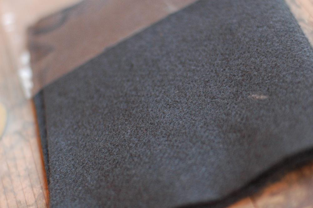 紀州備長炭の糸で織ったシート